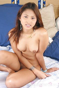 Cute Thai girl pleasant insertions