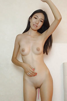 Naked Chinese girls on live sex webcam