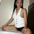 Skinny hotel hooker works her oral magic - image